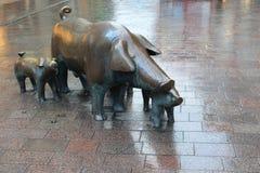 Bremen-Schwein-Hirtenstatue Stockbilder