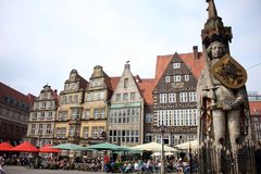Bremer Roland Statue i Bremen Marktplatz i Tyskland Arkivbild