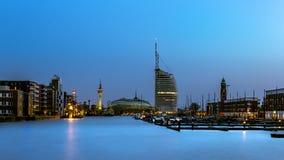 Bremerhaven bij blauw uur royalty-vrije stock foto's