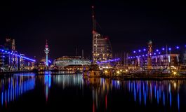 Bremerhaven nachts lizenzfreies stockbild