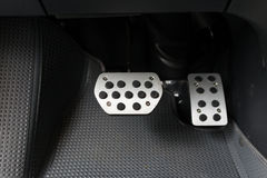 Bremse und Gaspedal stockfoto