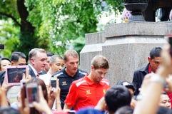 Brendan Rodgers och Steven Gerrard   i det Siriraj sjukhuset Bangkok THAILAND Royaltyfri Foto