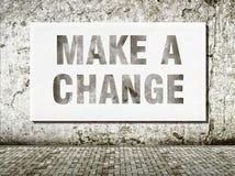 Breng een verandering, woorden op muur aan Royalty-vrije Stock Afbeelding