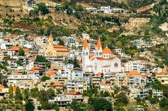 Breng Saba Cathedral en Onze Dame van Diman-Kerk in Bsharri in de war, Libanon royalty-vrije stock afbeelding