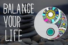 Breng Uw Regelmatig Concept van de het Levensgelijkheid in evenwicht stock fotografie