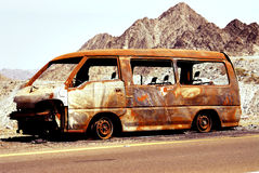 brennen Sie Fahrzeug aus Stockfotografie