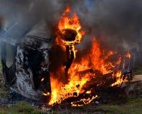 Brennende Autonahaufnahme Stockbilder