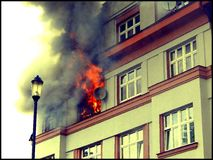 Brennende Ebene Lizenzfreie Stockbilder