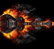Brennende Gitarre im Wasser Lizenzfreie Stockbilder
