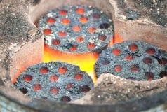 Brennende Kohle Stockfoto