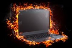 Brennende Nachrichten und Nachrichten auf Feuerhintergrund stock abbildung