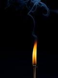 Brennende Reihe des Matches Lizenzfreie Stockfotos