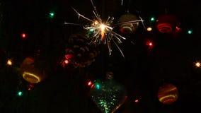 Brennende Weihnachtswunderkerzen stock video footage