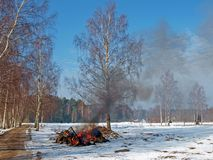 Brennender Abfall Stockbild