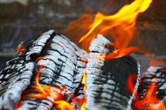 Brennender Kamin Stockfoto