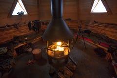brennender Lehmofen der traditionellen Holzkohle Lizenzfreies Stockbild