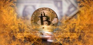 Brennendes Bitcoin Lizenzfreies Stockfoto