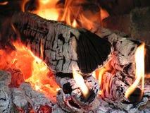 Brennendes Feuerholz Lizenzfreies Stockbild