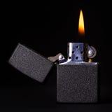 Brennendes Feuerzeug Lizenzfreie Stockfotos
