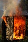 Brennendes Gebäude Lizenzfreie Stockfotos