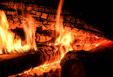 Brennendes Holz Lizenzfreies Stockbild