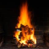Brennendes Holz Lizenzfreie Stockfotos