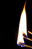 Brennendes Match in der Dunkelheit Lizenzfreie Stockfotos