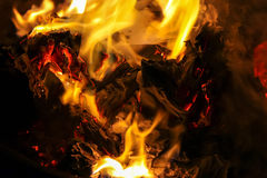 Brennendes Papier Stockfoto
