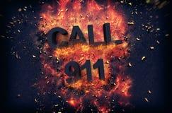 Brennendes Plakat mit schwarzem Text - Anruf 911 Stockbilder