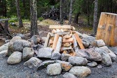 Brennholz bereit abzufeuern Stockfotografie