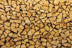 Brennholz, Klotz, Stapel hölzerner abstrakter Hintergrund Stockfoto