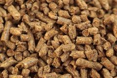 Brennholz-Kugelnahaufnahme Eine Quelle der alternativen sauberen Energie Viel Kugel Natürlicher Brennstoff und Energie von Zukunf stockfoto