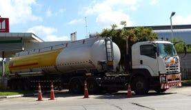 Brennstoff-LKW Stockfoto