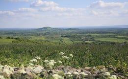 Brent Knoll och Quantock kullar Somerset arkivbild