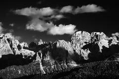 Brenta白云岩在美好的秋天天 库存照片