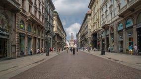 Brera di Milano che cammina intorno immagine stock