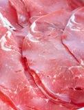 Bresaola ahumado crudo italiano de las rebanadas de la carne Imagen de archivo