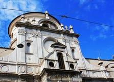 Brescia - den kyrkliga Chiesa diSanta Maria deien Miracoli Arkivfoton