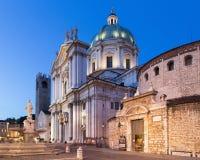 Brescia - i DOM a crepuscolo di sera & a x28; Duomo Nuovo e duomo Vecchio& x29; Fotografia Stock
