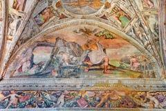 BRESCIA ITALIEN, 2016: Freskomålningen av offret av Isaac i presbyteriet av kyrkliga Chiesa del Santissimo Corpo di Cristo Royaltyfri Fotografi