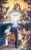 BRESCIA ITALIEN, 2016: Målningen av förklaringen på det huvudsakliga altaret av kyrkliga Chiesa di Santa Maria del Carmine stock illustrationer