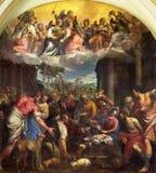 BRESCIA ITALIEN - MAJ 23, 2016: Målningtillbedjan av herdar i den Sant `-Afra kyrkan av Carlo Caliari 1570 - 1596 royaltyfria foton