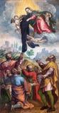 BRESCIA ITALIEN, 2016: Oskulden Mari ger det svarta plagget till tjänare av Mary i kyrkliga Chiesa di San Alessandro Royaltyfria Bilder
