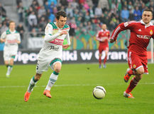 BRESLAU, POLEN - 10. April: Match Puchar Polski zwischen Wks Slask Breslau und Wisla Krakau. Patryk Malecki, der Waldemar Sobota j Stockfotos