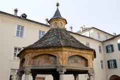 Bressanone borggården av abbotskloster av den Neustift brunnunderland arkivbild