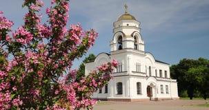 Brest, Belarus Beffroi, tour de Bell de Garrison Cathedral St Nicholas Church dans la forteresse complexe commémorative de héros  banque de vidéos