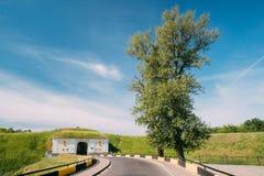 Brest, Bielorrusia Puertas septentrionales de la fortaleza de Brest en Sunny Summer fotografía de archivo libre de regalías