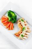 brest höna grillade veggies Fotografering för Bildbyråer