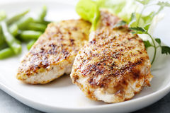 brest kurczaka fillet piec na grillu zdjęcia royalty free