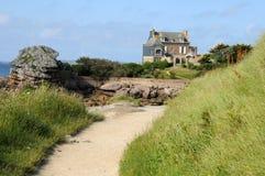 Bretagne, różowy granitu wybrzeże w Tregastel Zdjęcie Stock